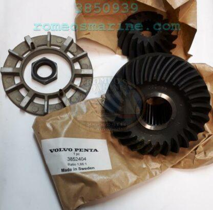 3850939_3852404-Drive_Gear_Set_Volvo_OMC
